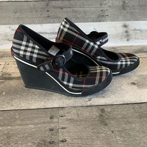 Rocket Dog Mary Jane Sneaker Wedge Shoes. size 6